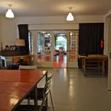 Het Atelier met op de achtergrond de Ontmoetingsruimte