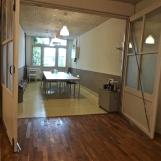 Openslaande deuren tussen de Kamer en de Studio.